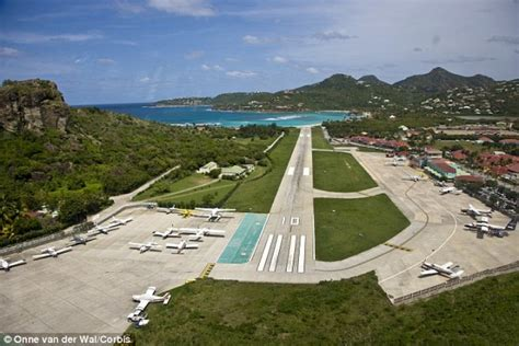 St-Barth Airport Live from France