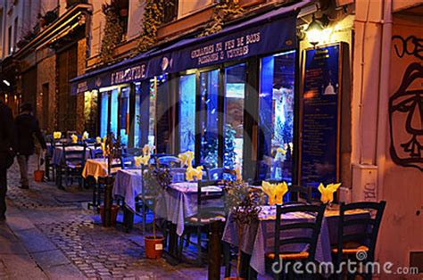 Restaurant In Paris By Night Editorial Photography - Image