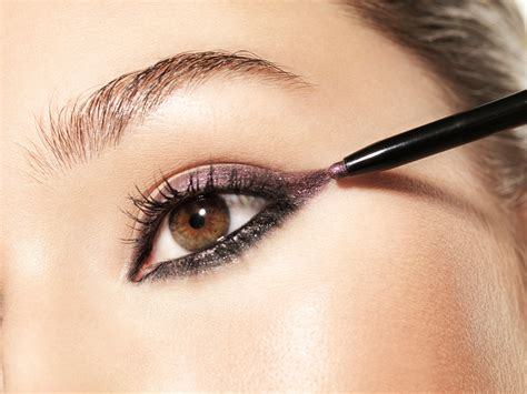 The 6 Most Flattering Makeup Colors for Brown Eyes | Allure