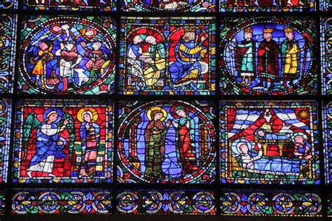 vitraux-bleu-cathedrale-chartres-mylittleroad - My Little Road