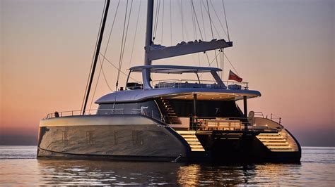 Split the difference: On board the first Sunreef 80