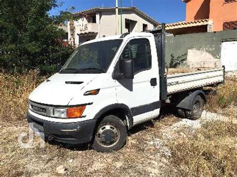 Camion Benne Iveco 35C9 d'occasion