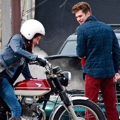 Mary Jane Meets Peter Parker in The Amazing Spider-Man 2