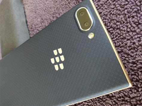 BlackBerry Key2 LE gold BBE100-5 - BlackBerry Forums at